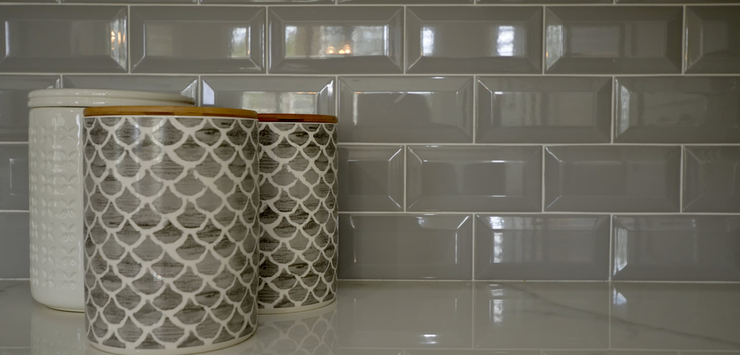 legend-flooring-backsplash